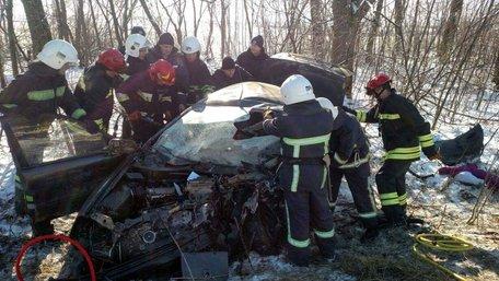 Троє людей загинули у зіткненні Porsche Cayenne та Daewoo Sens на Рівненщині