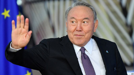 Президент Казахстану Нурсултан Назарбаєв несподівано подав у відставку