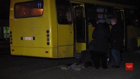 Автобус №11 збив на смерть 10-річну дівчинку на Рясному