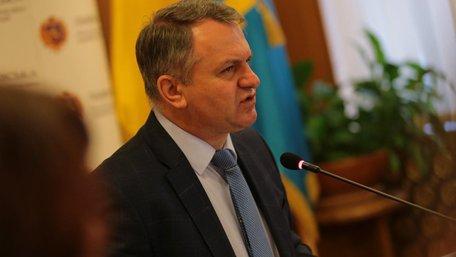 Синютка звинуватив своїх підлеглих у «вивезенні українських діточок за кордон»
