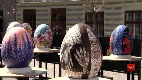 На фестивалі писанок у Львові планують зібрати гроші на ремонт ОХМАТДИТу