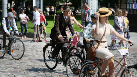 У Львові відбувся перший міжнародний ретро-велопробіг