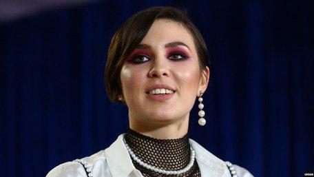Співачка Maruv перед концертом у Києві втекла від запитання «Чий Крим»