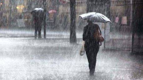 Синоптики попереджають про сильні зливи та град на Львівщині