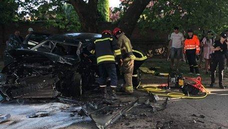В Ужгороді 21-річна студентка на Porsche Cayenne потрапила в ДТП