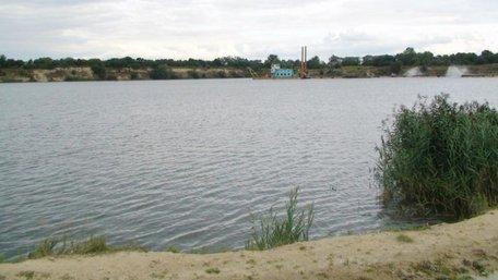 В озері неподалік Львова другий день шукають тіло 19-річного хлопця