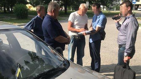 Посадовці держпідприємства хімічної промисловості на Львівщині «відмили» понад 10 млн грн