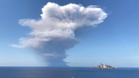 В Італії через виверження вулкану загинув чоловік