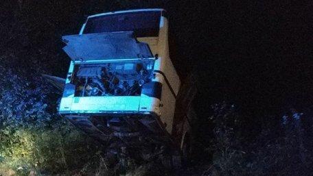 На Львівщині зіткнулися дві фури та рейсовий автобус Львів-Київ