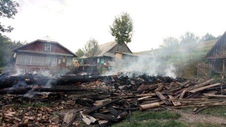 На Турківщині рятувальникам довелося возити воду для гасіння пожежі за 2 км