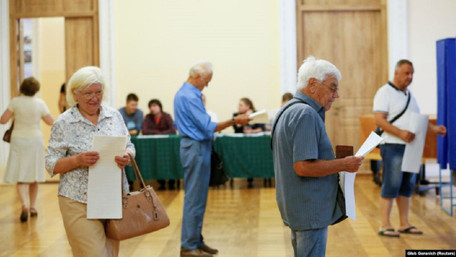 До Верховної Ради проходить лише п'ять партій