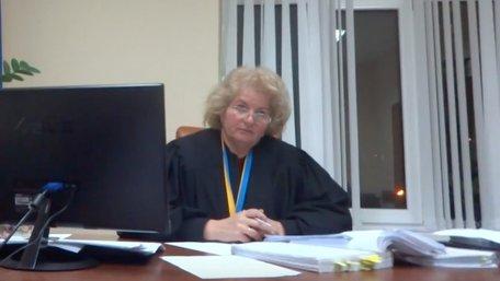 Львівську суддю відсторонили від роботи за поділ між подружжям чужої квартири