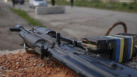 В зоні ООС на Донбасі через необережне поводження зі зброєю загинув нацгвардієць