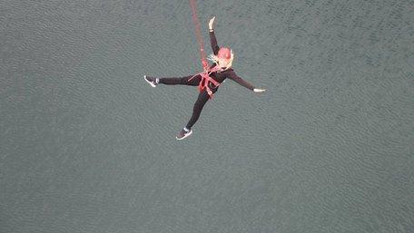 Поліція розповіла подробиці трагічного стрибка з атракціону «Маятник» на «Буковелі»