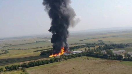 Небезпечного забруднення повітря після масштабної пожежі під Львовом не виявлено