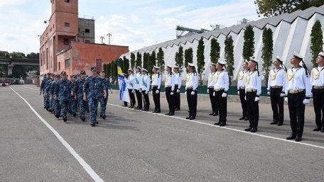 Звільнені з російського полону моряки повернулися на службу до Одеси