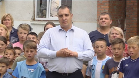 Голова Львівської облради використав школярів для зйомок політичного відеоролика