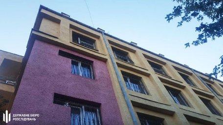 В Ужгороді затриманий вистрибнув з вікна 4 поверху міськвідділу поліції