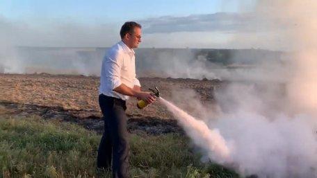 Голова ЛОДА Маркіян Мальський взявся особисто гасити підпали сухостою