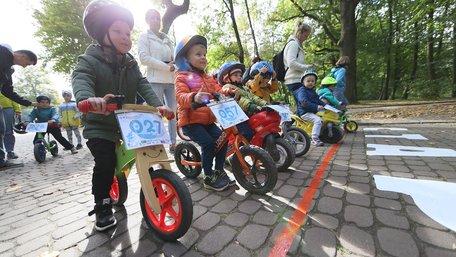 У Стрийському парку у Львові стартували дитячі велоперегони