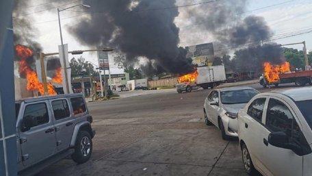 Наркокартель «Сіналоа» захопив ціле місто у Мексиці після арешту сина наркобарона Ель Чапо