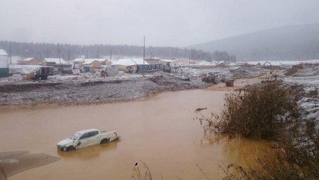 На золотій копальні в Сибіру прорвало дамбу і змило селище золотошукачів