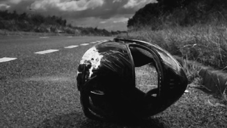 Вночі біля Бродів на смерть розбились двоє 21-річних хлопців на мотоциклі