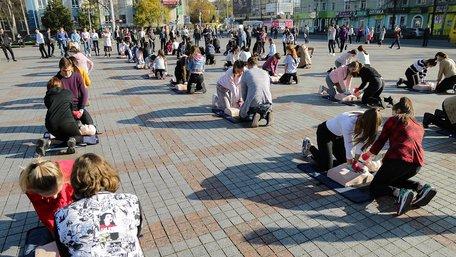 Українських школярів почали навчати тактичній медицині за стандартами НАТО