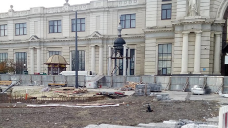На залізничному вокзалі Львова замість пальми Мерцалова встановили каплицю