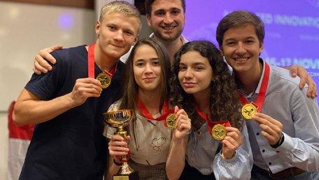 Двоє студентів зі Львова перемогли на конкурсі інновацій у Сінгапурі