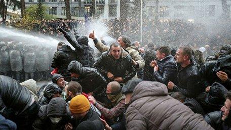 Поліція розігнала табір протестувальників під грузинським парламентом