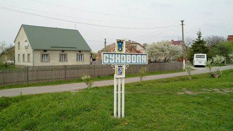 Мешканці Суховолі біля Львова хочуть в одну ОТГ, а сільський голова – в іншу