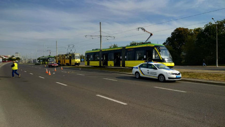 Збитого трамваєм 36-річного львів'янина оштрафували за порушення ПДР