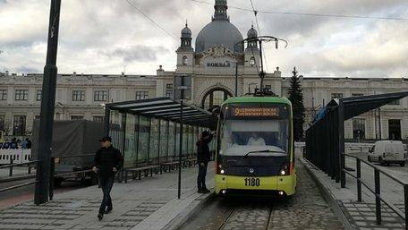 У Львові відновили курсування трамваїв до головного вокзалу