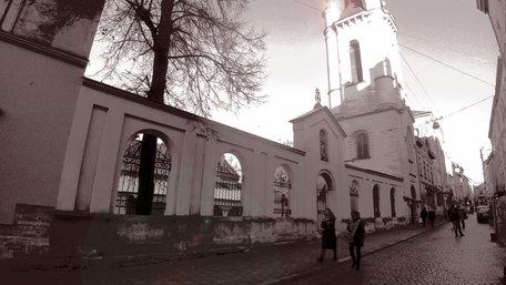 Зустріч друзів у Львові, в листопаді, або Про поблажливість