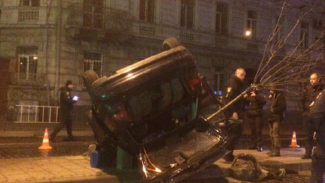 У Львові на вул. Городоцькій п'яний водій без прав скоїв ДТП та втік із місця події