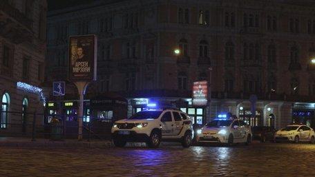 На горищі будинку ТРК «Люкс» у центрі Львова знайшли бойовий автомат з глушником