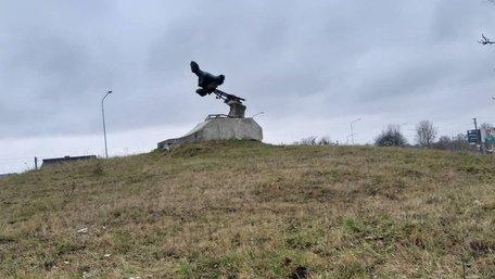 У селі під Львовом вандали розпиляли мідний пам'ятник Русалці Дністровій