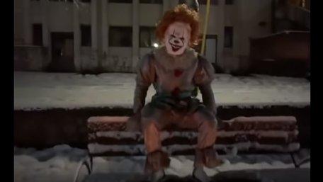 У Мукачеві відкрили справу щодо пранкера, який лякав людей в костюмі клоуна з фільму «Воно»