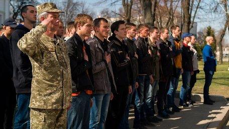 В Україні повернули призов до армії з 18 років