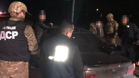 У Львові на хабарі у 30 тис. грн затримали податкового інспектора