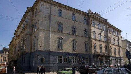 Міноборони заявило про продаж Будинку офіцерів у центрі Львова