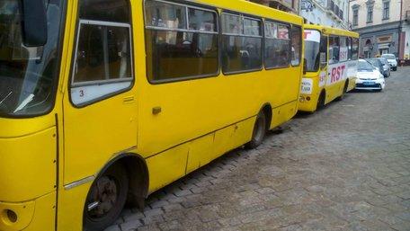 Чернівецьких чиновників запідозрили у привласненні компенсацій за перевезення пільговиків