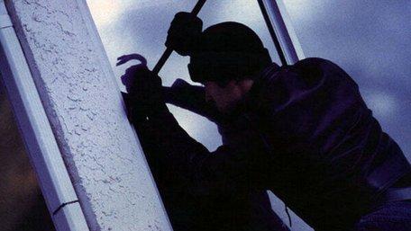 Озброєні грабіжники напали на будинок директора лісгоспу у Радехові, є жертви