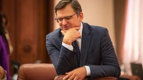 Кулеба назвав заяву Арахамії в Давосі про відмову України від євроінтеграції «фігурою мовлення»