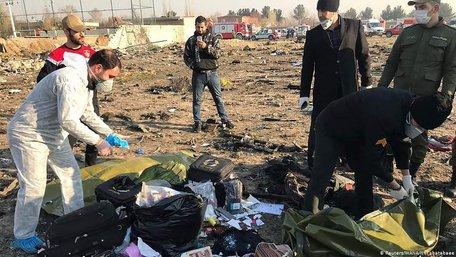 Іранський міністр заявив про серйозне пошкодження чорної скриньки збитого літака МАУ