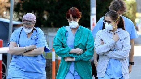 На півночі Італії закрили на карантин 10 містечок через коронавірус