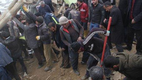 На кордоні Туреччини та Ірану стався потужний землетрус, є загиблі