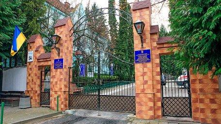Хворих на коронавірус лікуватимуть у Львівській обласній інфекційній лікарні