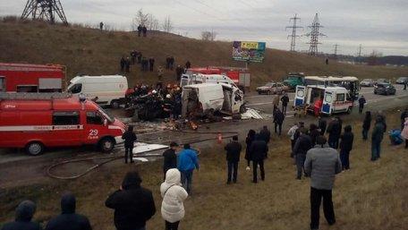 Вражаюча ДТП на об'їзній дорозі Львова, всі вижили. Фото дня